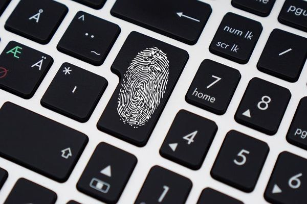 Eurodac-control-huella-dactilar-digital-inmigrante